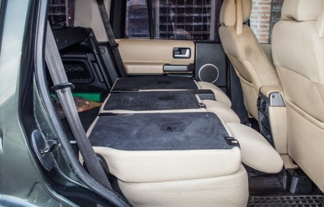 Este Land Rover ha dado la vuelta al mundo... y ahora puede ser tuyo por 24.000 euros