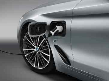 BMW 530e iPerformance: El quinto integrante de la familia BMW iPerformance, híbrido enchufable de 252 CV