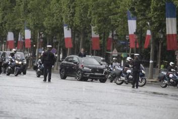 Macron ya tiene nuevo coche oficial: Un DS 7 Crossback descapotable. Sí, has leído bien.
