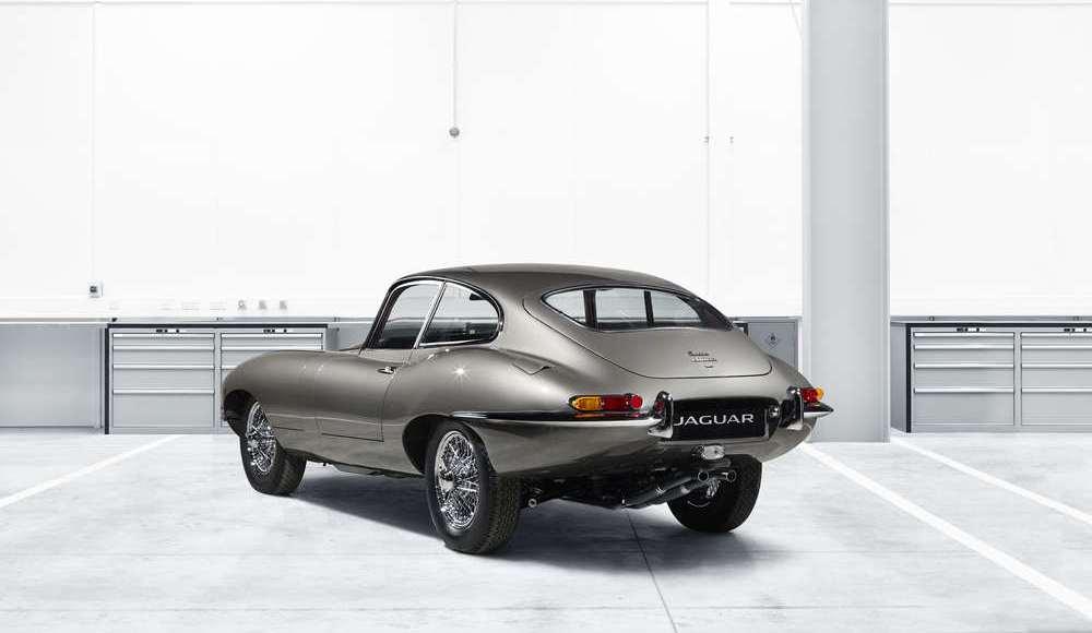 espectacular-asi-es-el-nuevo-talleres-de-clasicos-de-jaguar-land-rover-bautizado-como-classic-works-09