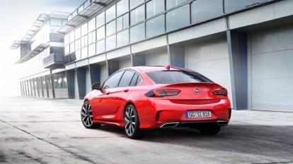 El nuevo Opel Insignia GSI luce así con 260 CV: ¡Larga vida a los GSI!
