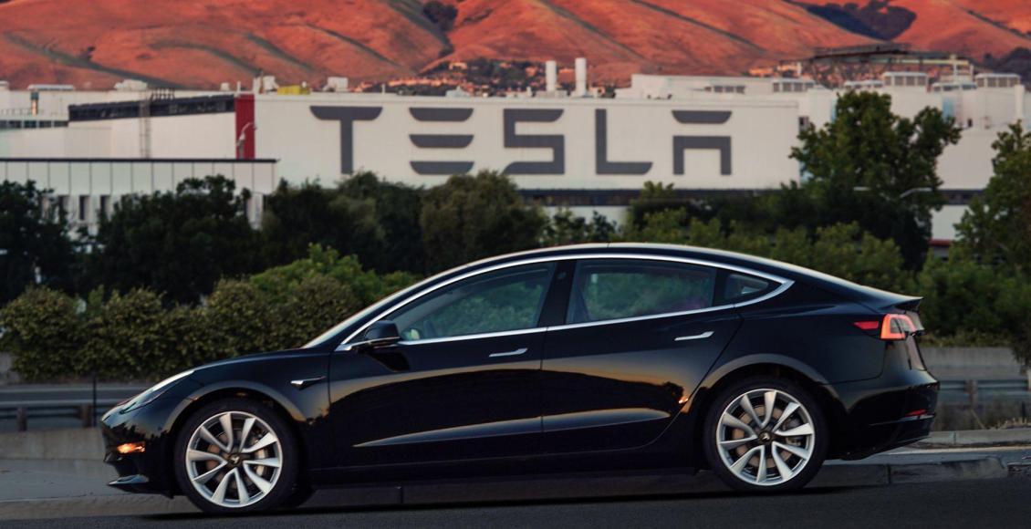 todos-los-detalles-del-tesla-model-3-hasta-500-kilometros-de-autonomia-y-lista-de-precios-01