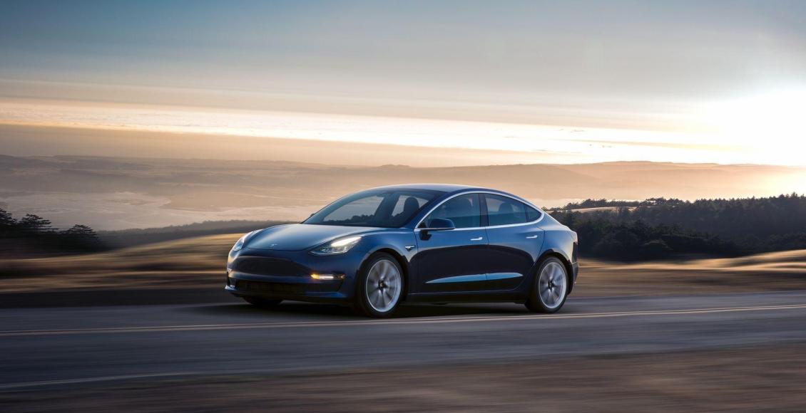 todos-los-detalles-del-tesla-model-3-hasta-500-kilometros-de-autonomia-y-lista-de-precios-02