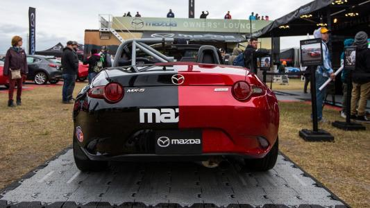 ¡Viva la bipolaridad! Este Mazda MX-5 es mitad coche de calle, mitad MX-5 Cup