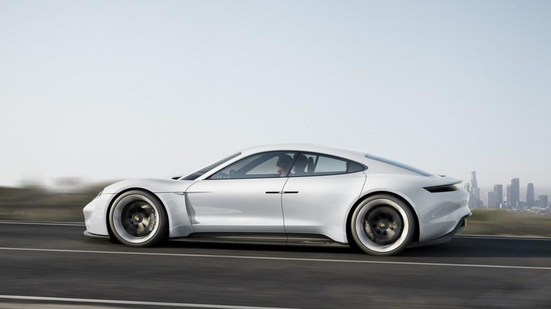 """Porsche Mission E: precio """"económico"""", potente, y con muchas variantes"""