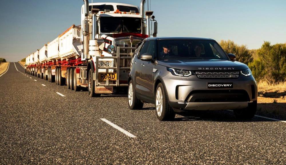 video-el-nuevo-land-rover-discovery-es-capaz-de-remolcar-un-camion-de-110-toneladas-07