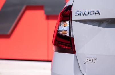 El Skoda Octavia RS de ABT viene pisando fuerte: ¡315 CV bajo el brazo!
