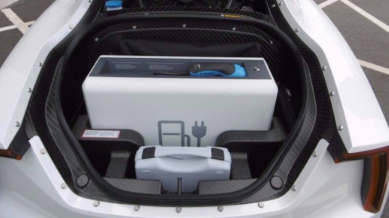 ¿Quieres hacerte con un Volkswagen XL1 prácticamente a estrenar? Ahora puedes, pero necesitarás 112.000 euros