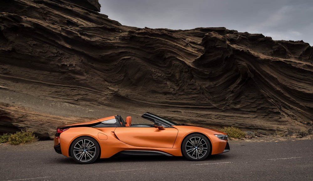 bmw-i8-roadster-ya-es-oficial-la-version-sin-techo-y-viene-con-mas-potencia-06