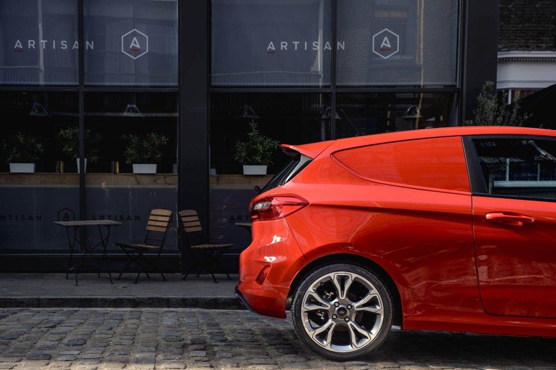 Ford Fiesta Sport Van 2018: ¿El vehículo más molón de reparto?