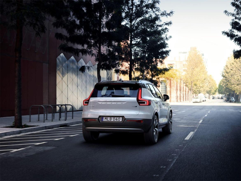 Volvo rompe todas sus previsiones con el XC40: Tienen que aumentar su producción debido a su éxito