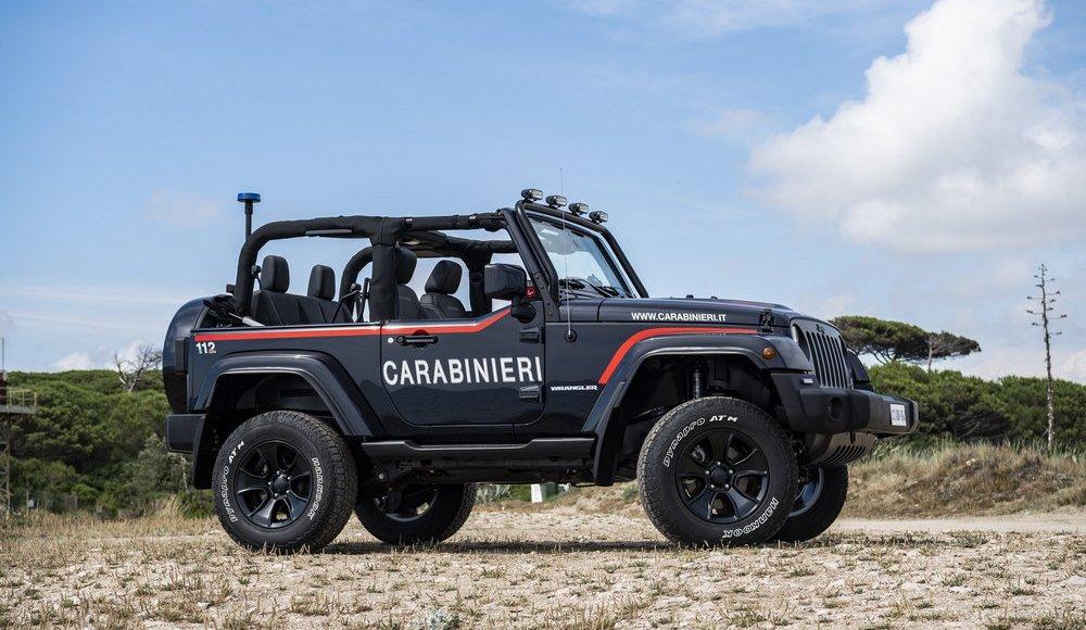 asi-es-el-jeep-wrangler-modificado-con-los-que-patrulla-la-policia-italiana-en-la-playa-13