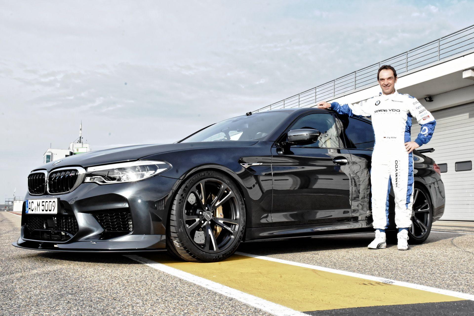 Circuito Sachsenring : Spettacolo abarth sul circuito tedesco del sachsenring con il