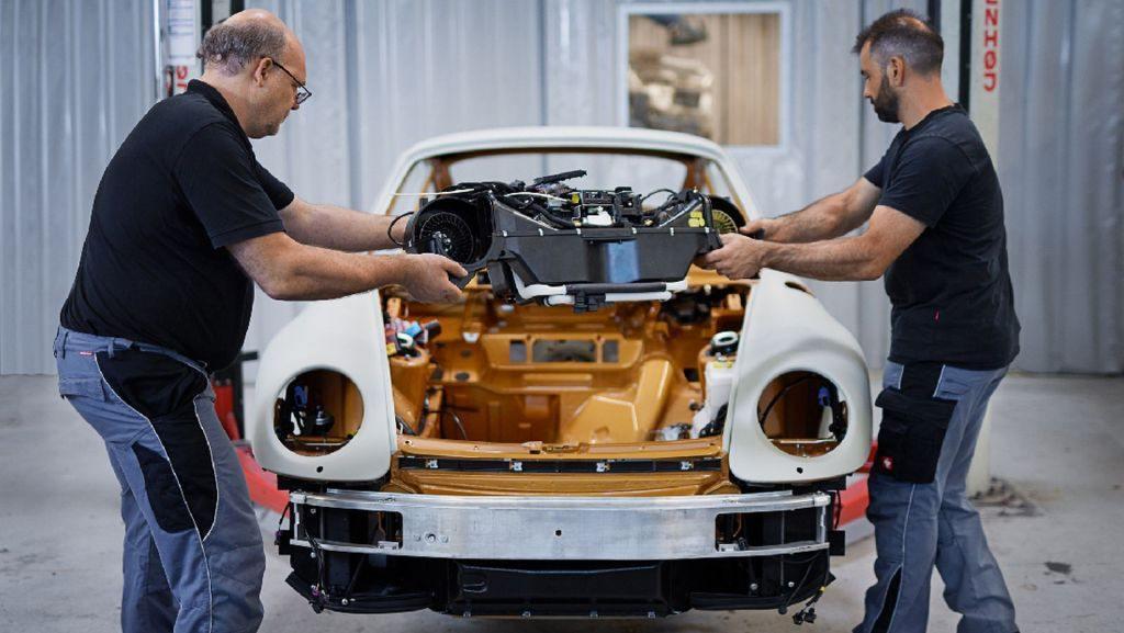 porsche-911-project-gold-vuelve-el-993-turbo-pero-solo-con-una-unidad-04
