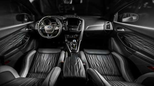 Carlex le pega un repaso al interior del Ford Focus RS y este es el resultado