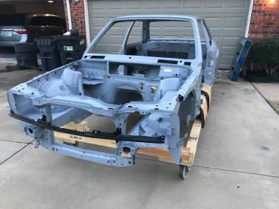 Todavía puedes comprar una carrocería de BMW M3 E30 a estrenar por 30.000 dólares