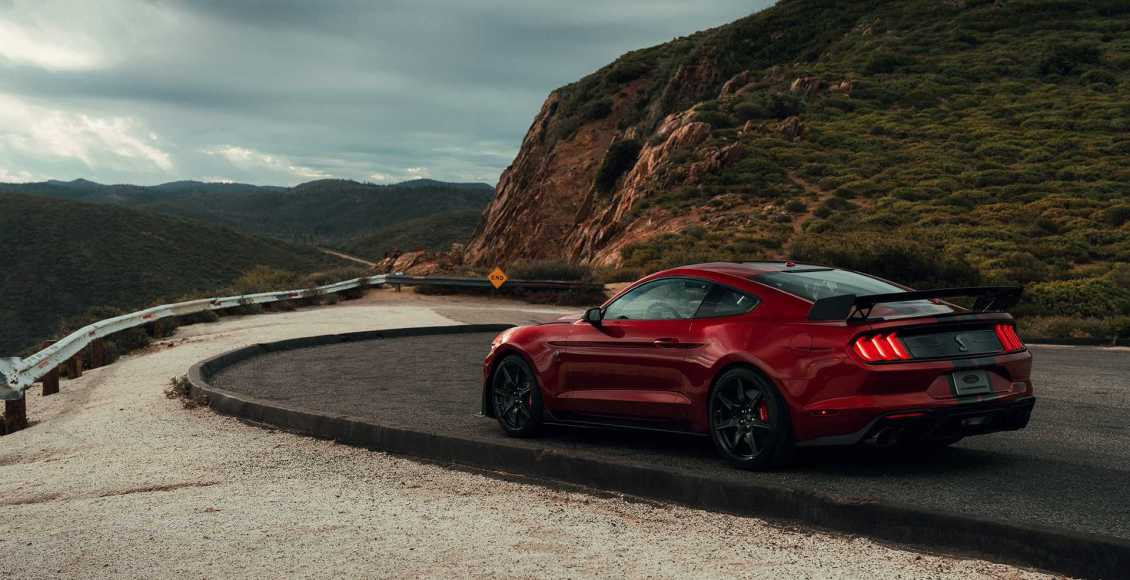 Ford-Mustang-Shelby-GT500-2019-17