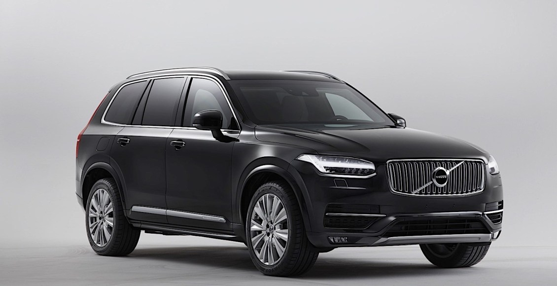 armored-volvo-xc90-can-drive-away-after-being-shot-at-with-an-ak-47-10