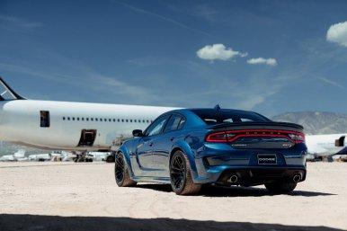 Dodge Charger SRT Hellcat Widebody: La misma potencia (717 CV), pero con una estética mucho más bruta