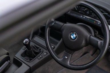 ¿Hemos perdido la cabeza? Alguien ha pagado 60.000 euros por un BMW 325i E30