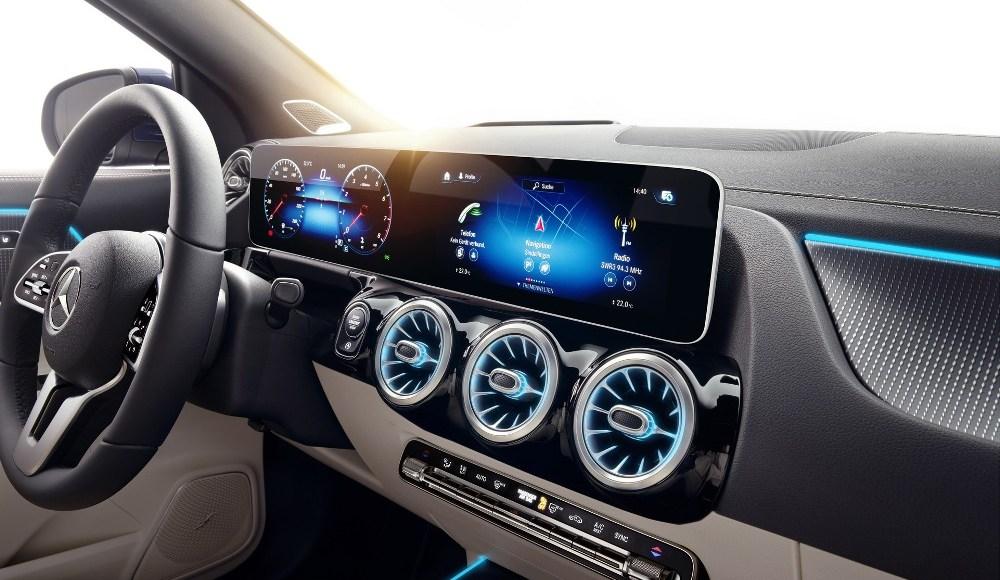 Mercedes-GLA-2020-17
