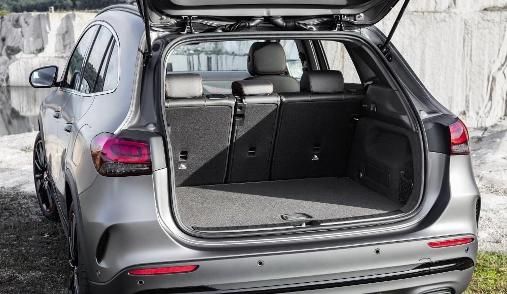 Mercedes-GLA-2020-12
