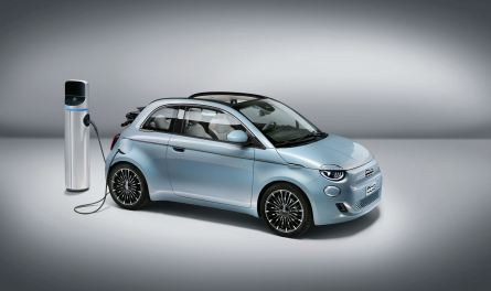 El nuevo Fiat 500 dice adiós a los motores térmicos: 320 km de autonomía y desde 37.900 euros