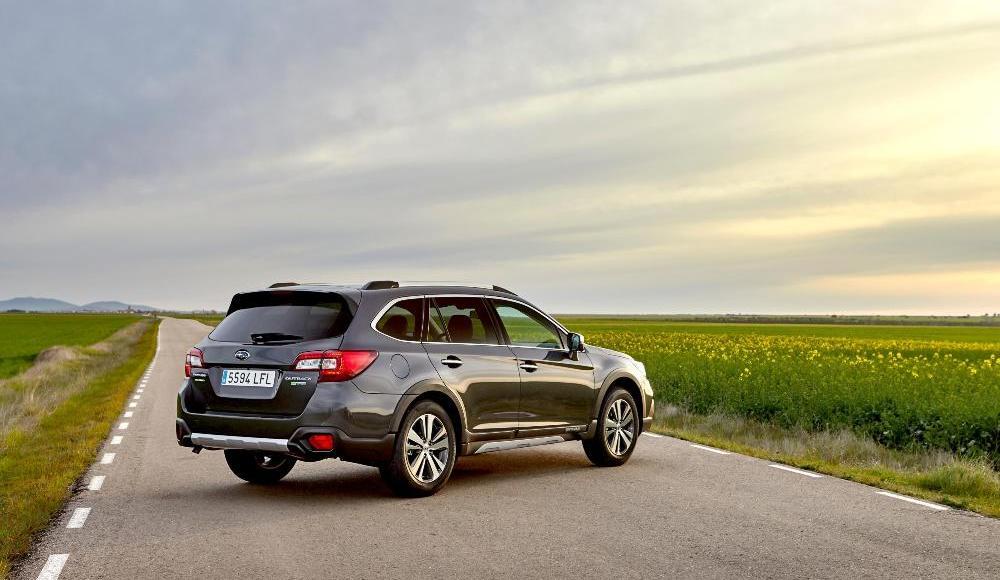Subaru-Outback-Silver-Edition-6