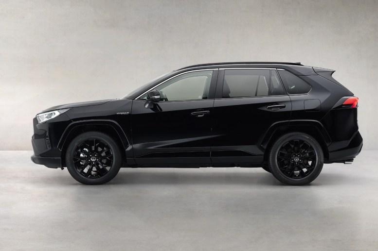 Toyota RAV4 Electric Hybrid: El negro es protagonista