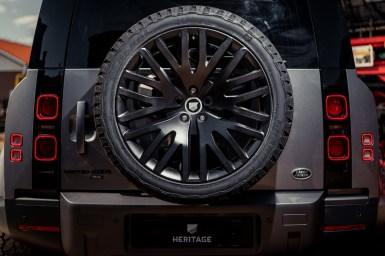 """Ahora puedes decorar tu Land Rover Defender 2021 con toques """"Rat style"""""""
