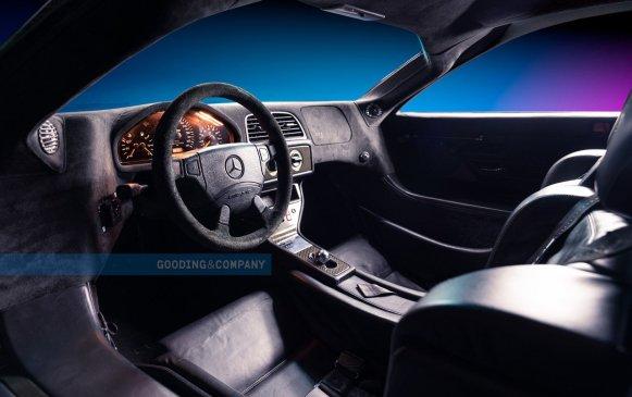 Este Mercedes-Benz CLK GTR saldrá próximamente a subasta: Sólo se fabricaron 20 unidades