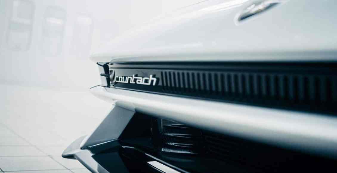 Lamborghini-Countach-2021-15