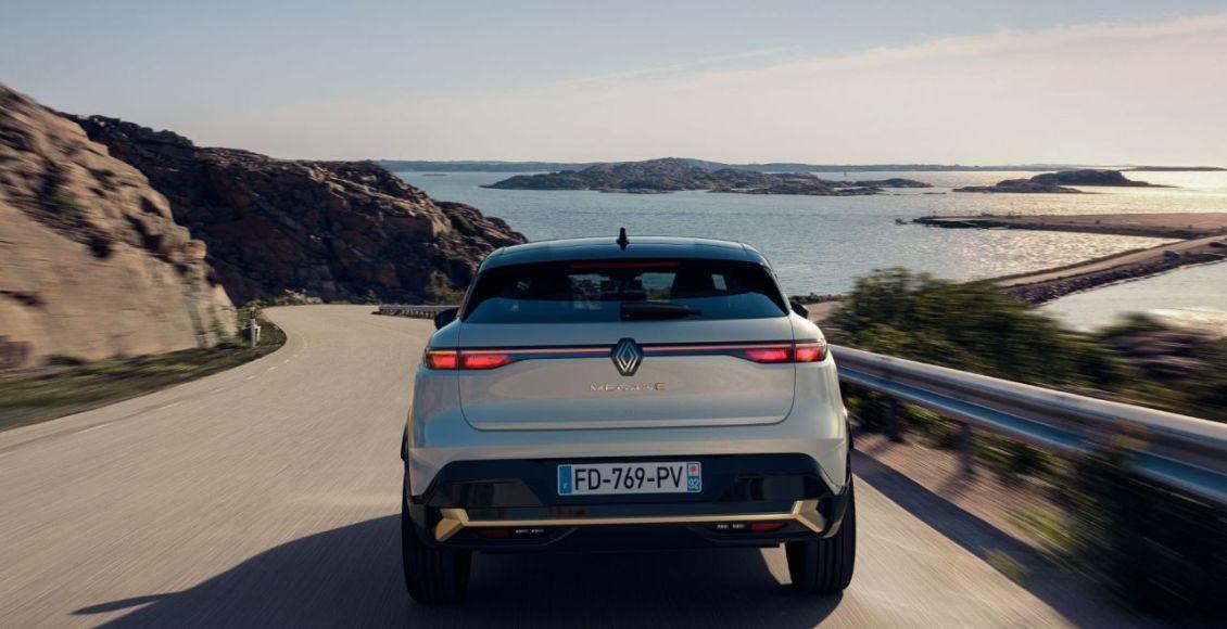 Renault-Megane-E-TECH-Electric-2022-2