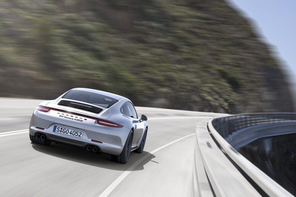 PORSCHE 911- CARRERA 4 GTS (1)