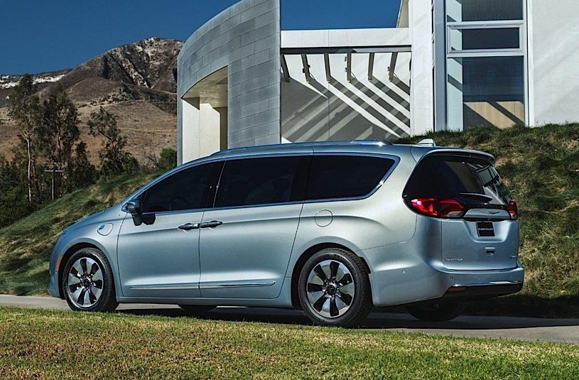Chrysler Pacifica La Prima Vettura Ibrida Plug In Di Fca