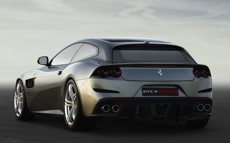Ferrari-GTC4Lusso-5