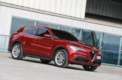 Alfa-Romeo_Stelvio_87