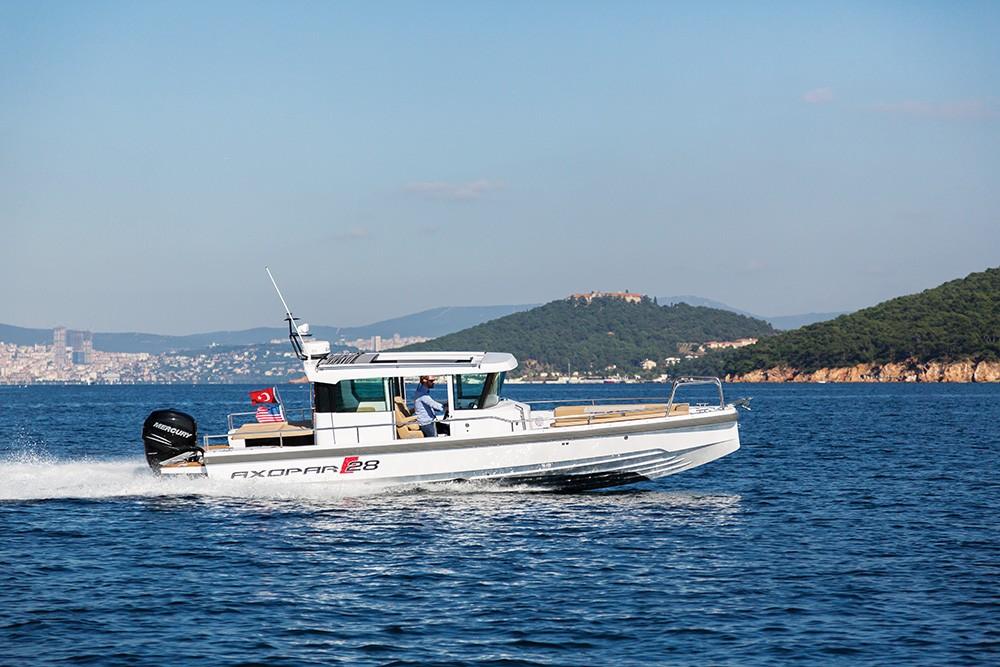 Axopar 28 - Aqua Motor