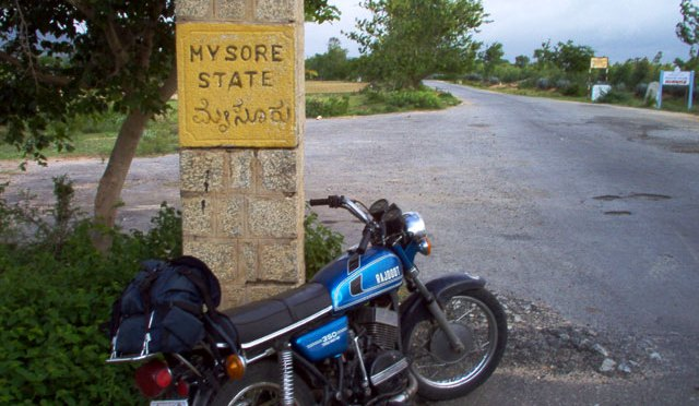 Yamaha RD 350 touring – mixing business with pleasure