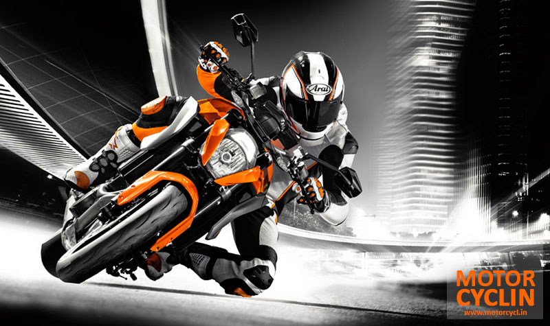 KTM 1290 Super Duke R cornering