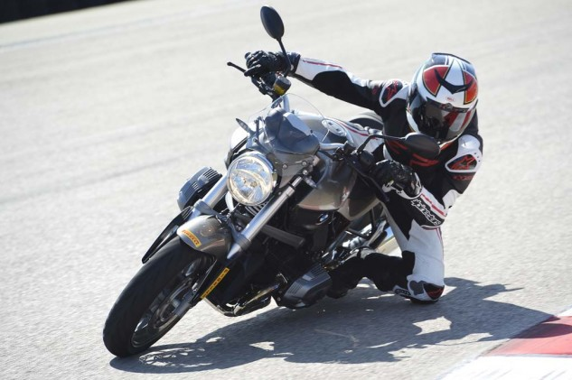 Motorcycle Cornering Knee Drag
