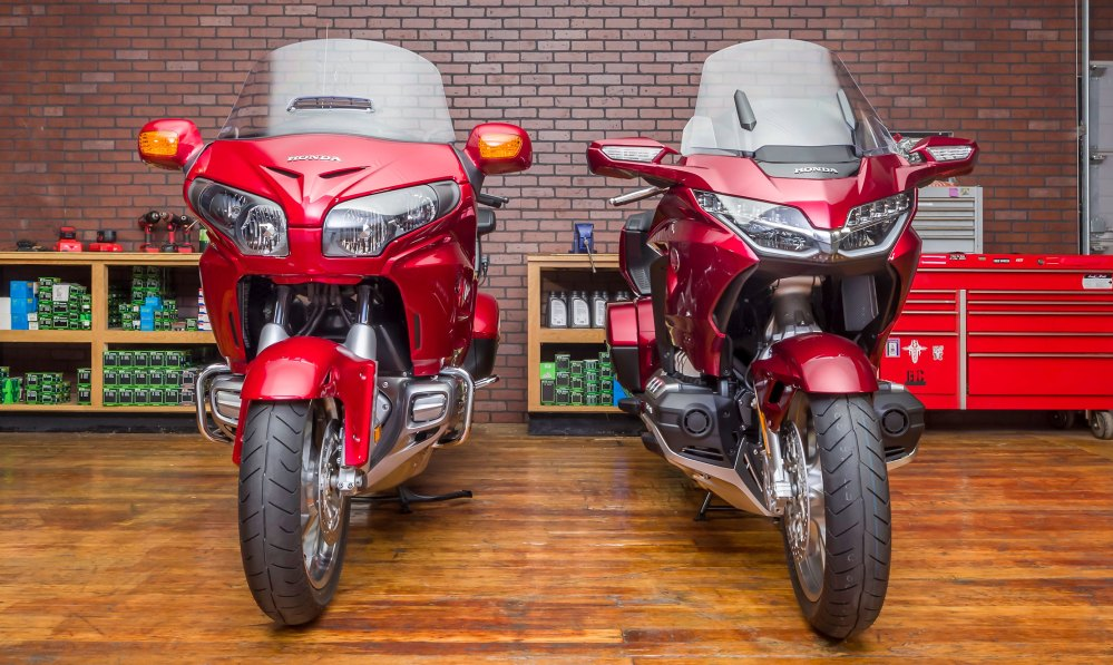 medium resolution of at 833 lbs full of gas the 2018 gold wing tour is claimed by honda to be 90 pounds lighter than the 2017 model that loss of weight will pay dividends in