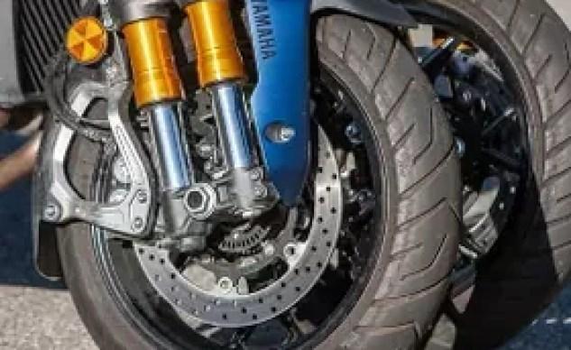2019 Yamaha Niken GT front wheels