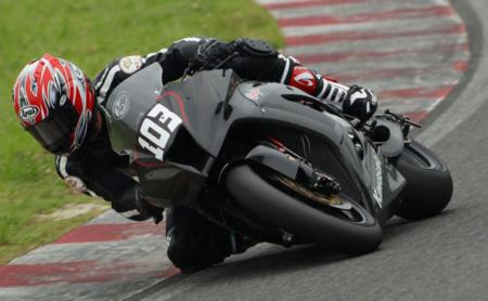 A race-spec version of the 2011 ZX-10R was tested last week at Suzuka.