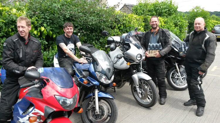 riding with a informal group - touring motorcycle clubs