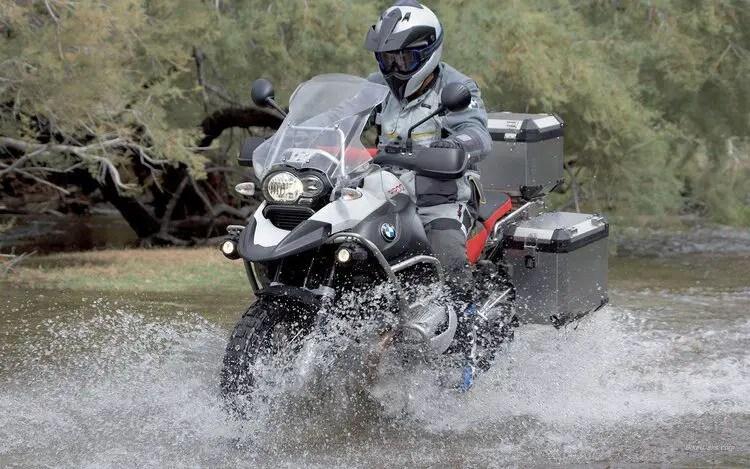 bmw gs going through water