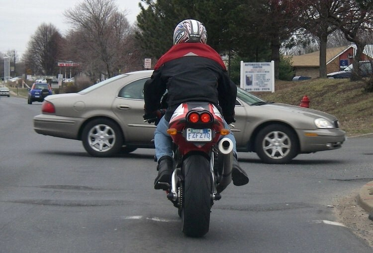 car and motorcycle - motorcycle riding tips & tricks