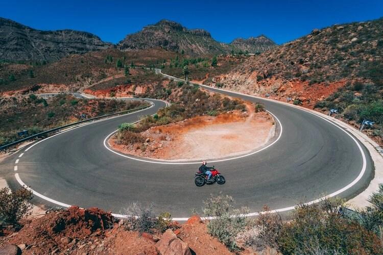 touring on a sports bike in gran canaria