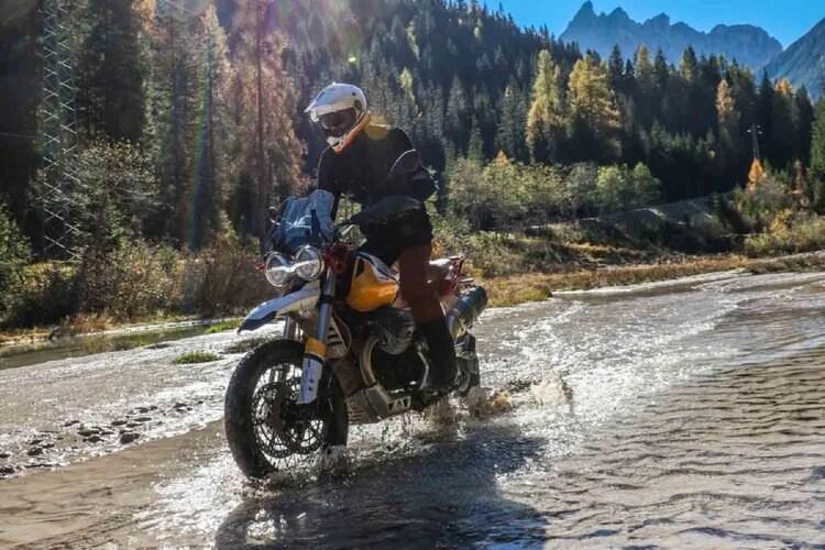 moto guzzi v85tt off-road