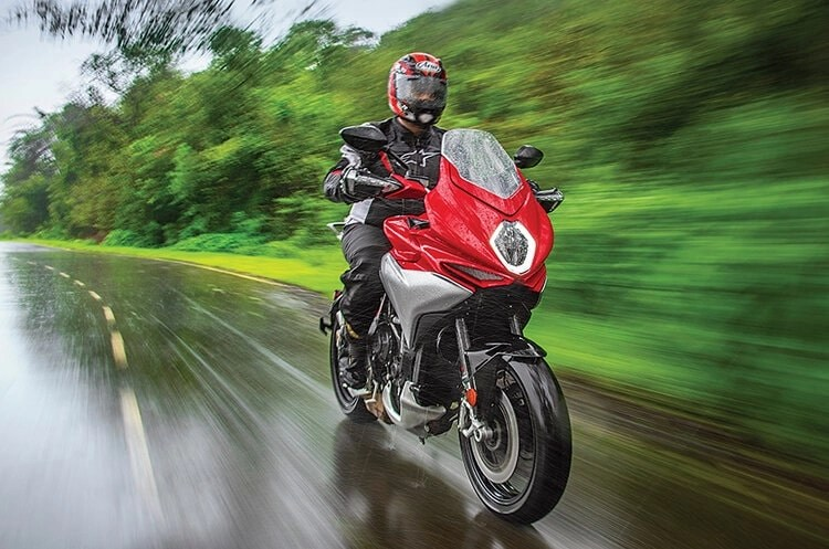 mv agusta in wet conditions - motorcycle riding tips & tricks